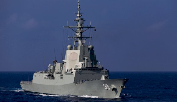 hmas hobart departing for south east asia
